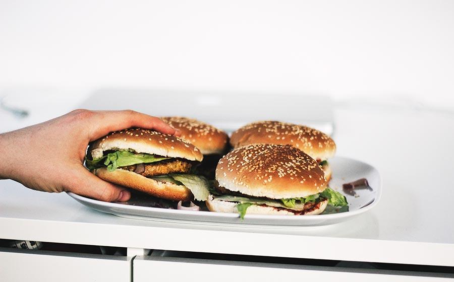 sinais de compulsão por comida